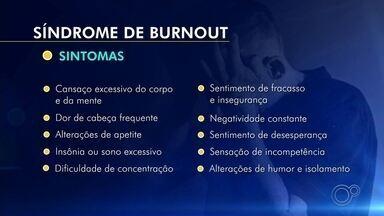 Especialistas falam sobre os riscos da Síndrome de Burnout - A Síndrome de Burnout é um problema que se tornou ainda mais evidente durante a pandemia de coronavírus. Especialistas alertam sobre os riscos do esgotamento mental para a saúde.