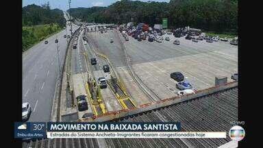 Movimento é intenso na descida para a Baixada Santista - Estradas do Sistema Anchieta-Imigrantes ficaram congestionadas na manhã deste sábado (30/01)