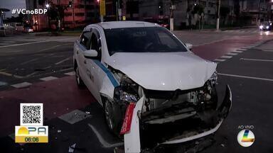 Acidente envolvendo dois veículos é registrado nesta segunda-feira em Belém - Um carro de aplicativo e um taxista se envolveram no acidente.