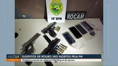 Suspeitos de roubo são mortos pela PM, em São Miguel do Iguaçu - Na fuga, eles perderam o controle do carro em que estavam que invadiu uma casa.