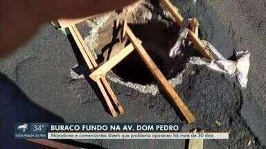 Moradores e comerciantes denunciam buraco na Avenida Dom Pedro, em Ribeirão Preto - Segundo informações da denúncia, problema apareceu há mais de 30 dias.