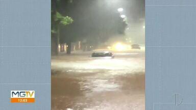 Chuva causa pontos de alagamentos e estragos na região - BR-116 ficou interditada em vários pontos.