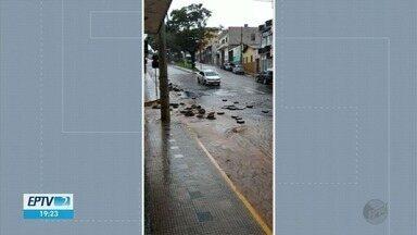Chuva deixa arranca bloquetes, inunda casas e deixa estragos em Boa Esperança - Chuva deixa arranca bloquetes, inunda casas e deixa estragos em Boa Esperança