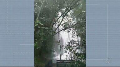Gerente registra cabeça d´água em cachoeira da Chapada dos Veadeiros - É preciso ter cuidado durante esse período de chuva.