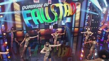 Programa de 28/02/2021 - Programa de auditório apresentado por Fausto Silva, que reúne nomes da televisão brasileira, atrações musicais e quadros variados.