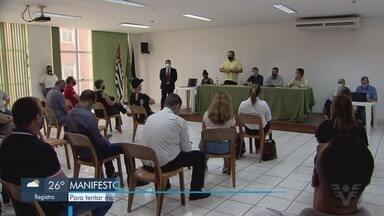 Diferentes setores protestam por permanência da fase amarela em Praia Grande - Manifesto aconteceu para que a prefeitura tente manter o município na fase amarela.