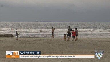 Fase vermelha de Plano SP passa a valer na Baixada Santista - Prefeituras da região prometeram fiscalizar.