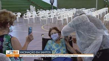 Santos tem postos de vacinação abertos para imunizar idosos contra a Covid-19 - Neste fim de semana, sete postos estão funcionando na cidade.