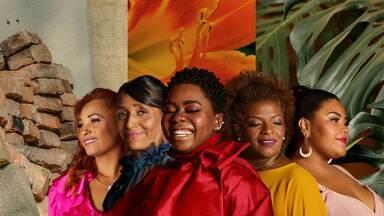 Falas Femininas - 08/03/2021 - O especial do Dia Internacional da Mulher aborda trajetórias de cinco mulheres, que representam o país em sua diversidade social, racial e religiosa e discute dilemas femininos atuais.