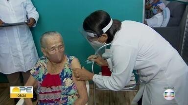 Saiba como vai ser o mutirão de vacinação contra Covid-19 no Cabo de Santo Agostinho - Idosos a partir de 75 anos podem comparecer aos locais para serem imunizados.