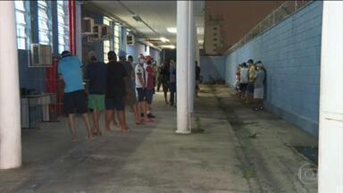 38 pessoas morreram no estado de SP à espera de leito de UTI - Enquanto isso, polícia fechou festa clandestina com mais de 500 pessoas em São Bernardo do Campo.