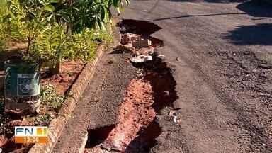 Problemas de buracos no asfalto causam prejuízos em Presidente Prudente - Motoristas enfrentam dificuldades ao trafegarem pela cidade.