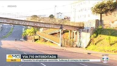 Via 710 é interditada para reparos em passarela que foi atingida por caminhão - Nós flagramos motociclistas e motoristas desrespeitando a interdição.