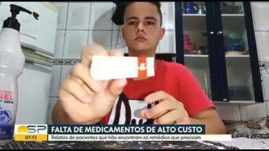 Pacientes relatam falta de medicamentos em farmácias de alto custo em SP - Problema atrapalha continuidade de tratamentos dos doentes.