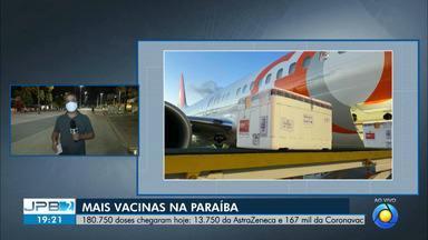 Paraíba recebe mais 180,7 mil doses de vacina contra a Covid-19 - Nova remessa chegou em João Pessoa no fim da tarde desta quinta-feira (1º).