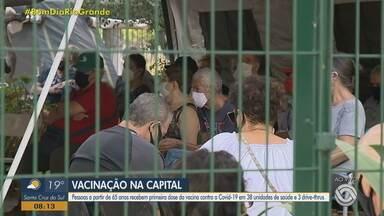 Porto Alegre vacina idosos com 65 anos ou mais contra a Covid-19 - Imunização ocorre em 38 unidades de saúde e três drive-thrus.