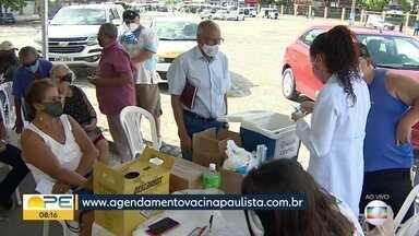 Paulista começa a vacinar idosos a partir de 63 anos contra Covid-19 - Novo grupo precisa agendar para ser imunizado.