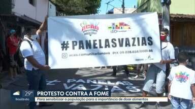 G10 Favelas protesta de novo com panelas vazias na capital - Desta vez, manifestação foi em Heliópolis