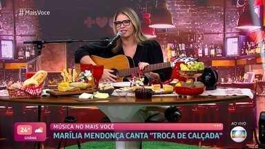 Marília Mendonça canta 'Troca de Calçada' - Cantora revela que acordou às 5 da manhã para começar a aquecer sua voz