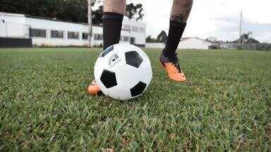 Futebol volta a Curitiba no sábado - Decreto da prefeitura de Curitiba liberou a realização de partidas de futebol na cidade - pelo menos até o dia 22. Assim, Athletico, Coritiba e Paraná Clube finalmente entrarão em campo em seus estádios