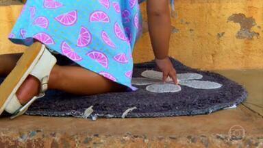 Violência contra crianças: levantamento da GloboNews revela uma média de 260 denúncias por dia - Um levantamento exclusivo, feito pela GloboNews com base nos dados abertos do site do Ministério da Mulher, Família e Direitos Humanos, revela que mais de 200 crianças são agredidas por dia no Brasil. Para os especialistas este número pode ser ainda maior, é que a pandemia pode ter feito a quantidade de denúncias diminuir.