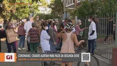 Porto Alegre tem filas para aplicação da segunda dose da vacina contra a Covid-19 - Veja quem pode receber as doses nesta terça-feira (27).
