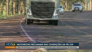 Motoristas reclamam das condições da PR-239 - Além de buracos, a rodovia de pista simples tem vários pontos de desnível.