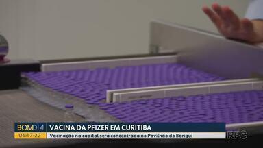 Curitiba vai receber 32.760 doses da primeira remessa da vacina da Pfizer contra Covid - Primeiro lote com 1 milhão de doses da vacina deve chegar ao Brasil na noite desta quinta-feira (29) e começar a ser distribuído às capitais do país na sexta-feira (30).