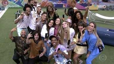 BBB Dia 101 - 08/05/2021 - Atendendo aos desejos do público e à nostalgia dos próprios participantes, o especial promoveu um reencontro entre os brothers e sisters do BBB 21 na casa mais vigiada do Brasil.