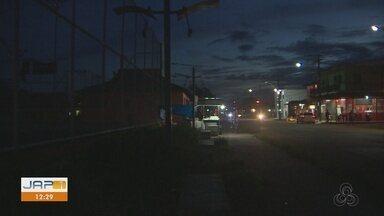Moradores descrevem falta de limpeza, segurança e iluminação pública em praça de Macapá - Moradores descrevem falta de limpeza, segurança e iluminação pública em praça de Macapá