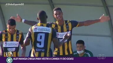 Alef Manga chega para vestir a camisa 11 do Goiás - Atacante é aguardado no clube nesta semana