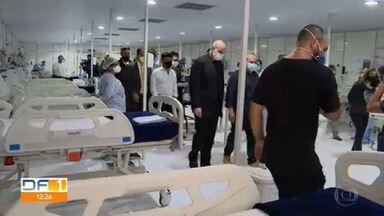 Leitos nos hospitais de campanha servem apenas como retaguarda, afirmam médicos - Secretário da Casa Civil diz que fila de espera já está zerada.