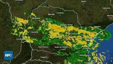 Chuva retorna ao Paraná - Depois da chuva, temperaturas ficam mais baixas.