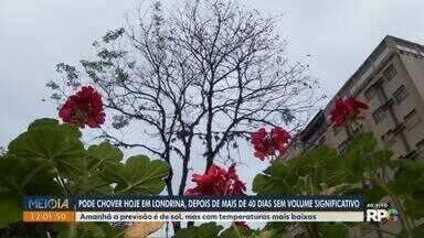 Depois de mais de 40 dias sem chuva forte, estiagem deve chegar ao fim em Londrina - A chuva deve chegar nesta quarta-feira (12). Já na quinta (13), a previsão é de sol, mas com temperaturas mais baixas.