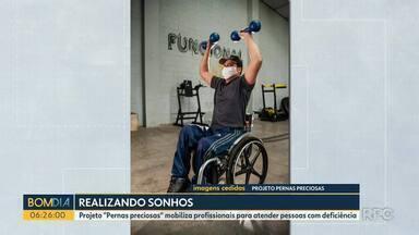 """Projeto """"Pernas preciosas"""" mobiliza profissionais para atender pessoas com deficiência - Projeto existe em Londrina desde 2018"""
