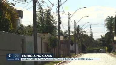 Moradores de condomínio no Gama relatam prejuízos com as contantes quedas de energia - Eles dizem que a energia cai cinco vezes ao dia. Neoenergia afirma que a região tem muitas ligações clandestinas.