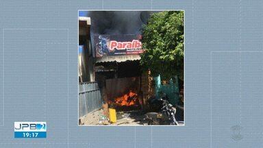 Incêndio atinge loja de peças de moto em Sumé - Bombeiros foram acionados.