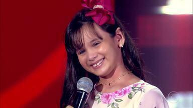 Rafaela Carrer demonstra seu talento no 'The Voice Kids' - Rafaela Carrer escolhe o time Teló