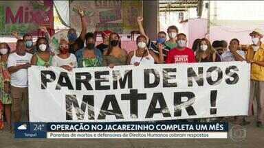Moradores do Jacarezinho fazem protesto na data em que operação que deixou 28 mortos completa um mês - Ação deixou 28 mortos, entre eles, um policial civil. Dos outros 27 mortos, 25 tinham antecedentes criminais - 12 deles por associação ao tráfico.