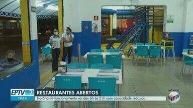 Restaurantes de Ribeirão Preto, SP, operam com capacidade reduzida até 21h - Estabelecimentos devem encerrar de forma definitiva o atendimento até 22h, segundo decreto da prefeitura.