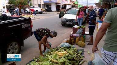 Cresce procura por milho nas feiras livres de Petrolina - O produto é indispensável para quem vai celebrar o São João em casa e não abre mão das comidas típicas da época