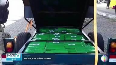 PRF apreende 170 quilos de maconha dentro de fundo falso de carretinha em Montes Claros - Carretinha estava sendo rebocada por um carro. O motorista, de 43 anos, informou que seguia de Campo Grande (MS) para Fortaleza (CE).
