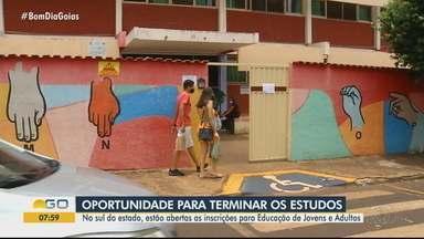 Inscrições para a Educação de Jovens e Adultos estão abertas no sul de Goiás - Oportunidades são para adultos terminarem os estudos.