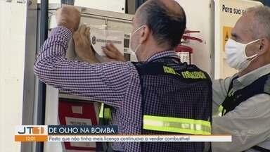 Posto de combustíveis é interditado pela 4ª vez durante operação em Santos - Posto não tinha mais licença e continuava a vender combustível.