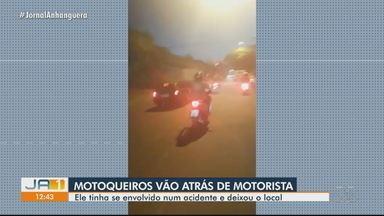 Após atingir condutora de moto, motorista é perseguido por motociclistas em Goiânia - Segundo testemunhas, ele tinha se envolvido num acidente e deixou o local.
