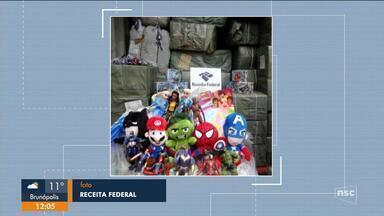 Receita Federal apreende brinquedos com indícios de falsificação em SC - Receita Federal apreende brinquedos com indícios de falsificação em SC