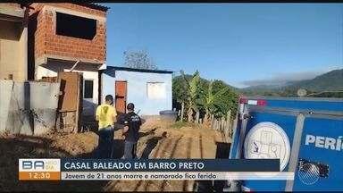 Casal é baleado dentro de casa, em Barro Preto; mulher não resistiu o morreu no local - Investigações apontam que bandidos teriam arrombado a casa para roubar.