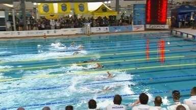 """Competição de natação 'Troféu José Finkel' é encerrada em Bauru neste sábado (14) - O encerramento da competição """"Troféu José Finkel"""", uma mais importantes da natação sul americana, acontece neste sábado (14) em Bauru (SP)."""