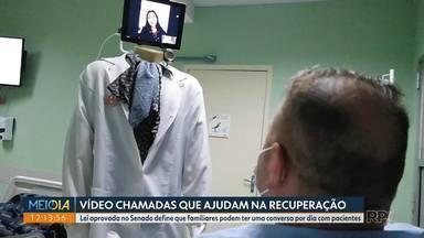 Pacientes internados podem conversar com familiares por chamadas de vídeo - Lei aprovada no Senado define que familiares podem ter uma conversa por dia com pacientes.