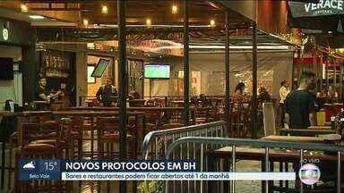 Bares e restaurantes podem ficar abertos até 1 da manhã em BH - Escolas também têm novos protocolos. Não há mais limitação de tempo de permanência dos alunos.